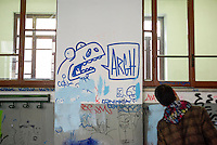 Milano, graffiti e scritte sul muro di un aula del Liceo Artistico Statale di Brera --- Milan, graffiti and writings on the wall of a class of Brera art high school