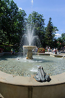 Springbrunnen in Swieradow Zdroj, Woiwodschaft Niederschlesien (Województwo dolnośląskie), Polen, Europa<br /> Fountain in Swieradow Zdroj, Poland, Europe