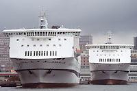- cruise ships in the Genoa harbor....- navi da crociera nel porto di Genova