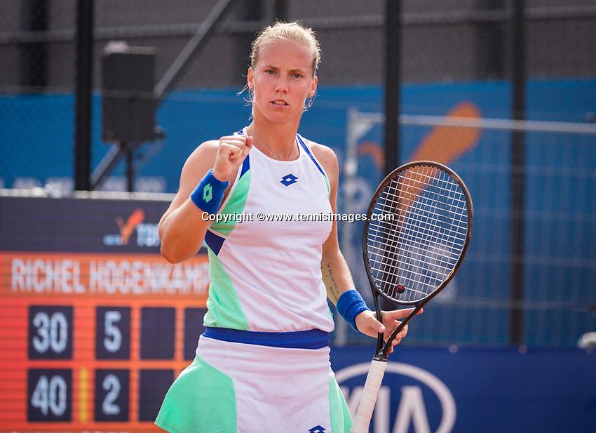 Amstelveen, Netherlands, 1 August 2020, NTC, National Tennis Center, National Tennis Championships,  Womans Final : Richel Hogenkamp (NED) wins the first set and jubilates<br /> Photo: Henk Koster/tennisimages.com