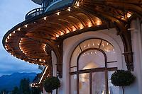 Europe/France/Rhône-Alpes/74/Haute Savoie/ Evian:  Royal Hôtel, détail architecture