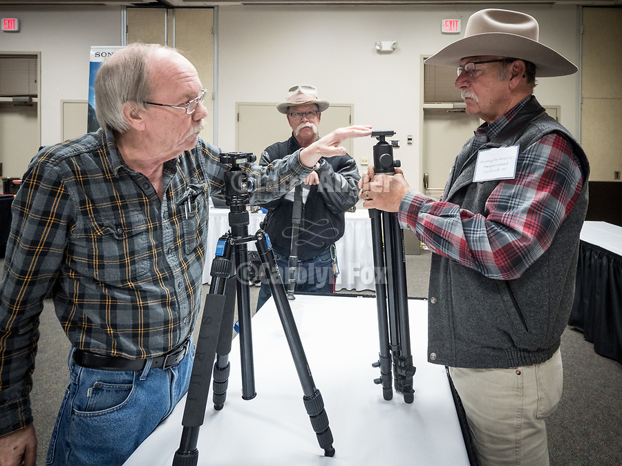 Dave Ericsson shows his line of Sirui tripod to photographers at #ShootingTheWest XXX, #WinnemuccaNevada, #SiruiUSA