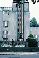 Josef Hoffmann: Palais Stoclet, Brussels. The facade consists of slabs of white Norwegian marble over brick walls. Photo '87.