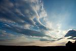 Europa, DEU, Deutschland, Hessen, Landkreis Fulda, Kaemmerzell, Abendliche Wolkenstimmung, Kategorien und Themen, Natur, Umwelt, Landschaft, Jahreszeiten, Stimmungen, Landschaftsfotografie, Landschaften, Landschaftsphoto, Landschaftsphotographie, Wetter, Himmel, Wolken, Wolkenkunde, Wetterbeobachtung, Wetterelemente, Wetterlage, Wetterkunde, Witterung, Witterungsbedingungen, Wettererscheinungen, Meteorologie, Bauernregeln, Wettervorhersage, Wolkenfotografie, Wetterphaenomene, Wolkenklassifikation, Wolkenbilder, Wolkenfoto<br /> <br /> [Fuer die Nutzung gelten die jeweils gueltigen Allgemeinen Liefer-und Geschaeftsbedingungen. Nutzung nur gegen Verwendungsmeldung und Nachweis. Download der AGB unter http://www.image-box.com oder werden auf Anfrage zugesendet. Freigabe ist vorher erforderlich. Jede Nutzung des Fotos ist honorarpflichtig gemaess derzeit gueltiger MFM Liste - Kontakt, Uwe Schmid-Fotografie, Duisburg, Tel. (+49).2065.677997, ..archiv@image-box.com, www.image-box.com]