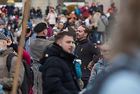 """Sogenannten """"Querdenker"""" sowie verschiedene rechte und rechtsextreme Gruppen hatten fuer den 18. November 2020 zu einer Blockade des Bundestag aufgerufen. Sie wollten damit verhindern, dass es eine Abstimmung ueber das Infektionsschutzgesetz gibt.<br /> Es sollen sich ca. 7.000 Menschen versammelt haben. Sie wurden durch Polizeiabsperrungen daran gehindert zum Reichstagsgebaeude zu gelangen. Sie versammelten sich daraufhin u.a. vor dem Brandenburger Tor.<br /> Im Bild: Unter den Demonstranten waren etliche Rechtsextremisten der NPD und dem """"3. Weg"""", so wie der Hamburger Nazi Thomas """"Steiner"""" Wulff (links) und Mirko Gudath (rechts).<br /> 18.11.2020, Berlin<br /> Copyright: Christian-Ditsch.de"""