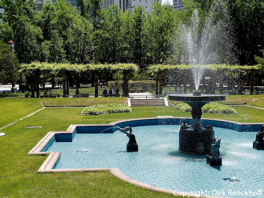 Springbrunnen im Palast Deoksugung in Seoul, Südkorea, Asien<br /> fountain in palace Deoksugung, Seoul, South Korea, Asia