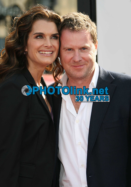 Brooke Shields and husband Chris Henchy 5.30.2009 Photo by Nick Sherwood-PHOTOlink