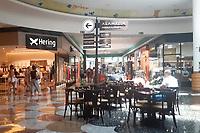 Campinas (SP), 06/02/2021 - Flexibilização-SP - Movimentação no shopping Dom Pedro em Campinas, interior de São Paulo, neste sábado (06). Após as medidas mais restritivas de combate ao coronavírus, Campinas retoma à fase amarela do Plano São Paulo de flexibilização da quarentena com mais liberação de atividades. Ontem, o governo estadual divulgou a nova reclassificação que passou Campinas da fase laranja para a amarela. Com isso bares e restaurantes podem voltar a atender de forma presencial.