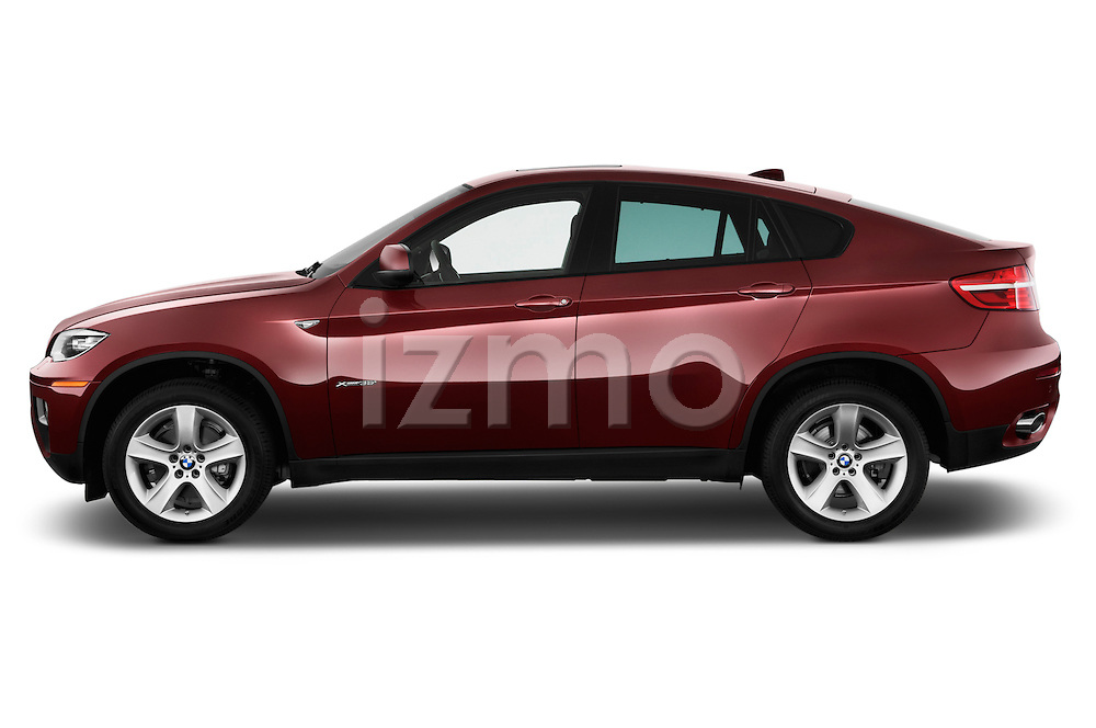 Driver side profile view of a .2013 BMW X6 X Drive 35i