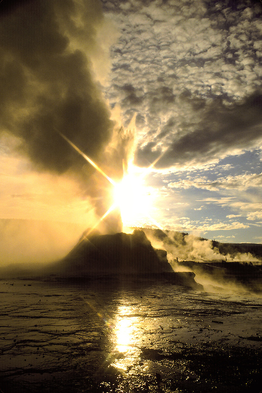 M00123.tif   Castle Geyser and sunrise. Yellowstone National Park, Wyoming