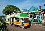 Great Britain, England, Devon, near Seaton, Colyton: The Seaton Tramway with a double - decker tram at Colyton station | Grossbritannien, England, Devon, Colyton bei Seaton: The Seaton Tramway mit Doppeldecker an der Colyton Station