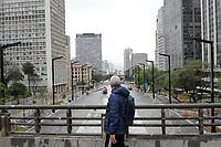 SÃO PAULO, SP, 22.09.2020: REFORMA-ANHANGABAÚ-PRORROGAÇÃO-SP - Vista das obras de requalificação do Vale do Anhangabaú, no centro da cidade de São Paulo (SP), nesta terça-feira, 22 de setembro de 2020. O Consórcio Central, responsável pela reforma, solicitou um novo prazo de 90 dias para o término total da reforma e, segundo o novo cronograma, a obra deve estar totalmente concluída apenas em 28 de fevereiro de 2021. Apesar da nova prorrogação já ter o aval da área técnica da SPObras, conforme os documentos, a Prefeitura de São Paulo diz por meio de nota que vai reinaugurar a área ainda neste ano, em 30 de outubro. (Foto: Fábio Vieira/FotoRua)