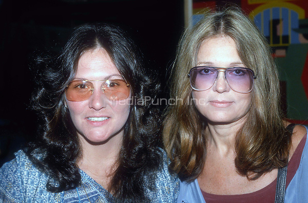 Linda Lovelace and Gloria Steinem 1977<br /> Credit:Adam Scull/PHOTOlink /MediaPunch