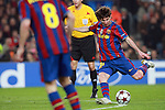 Barcelona's Lionel Messi scores during match. March 17, 2010. (ALTERPHOTOS/Tati Quinones)