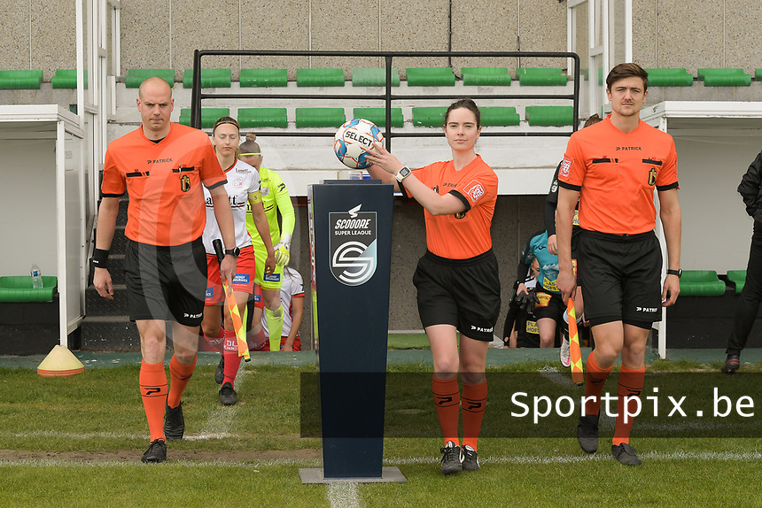 referee Irmgard Van Meirvenne with assistant referees Maxime Borremans (L) and Gianni Seeldraeyers (R) pictured during a female soccer game between Eendracht Aalst and SV Zulte Waregem on the fourth matchday of play off 2 of the 2020 - 2021 season of Belgian Scooore Womens Super League , Saturday 1 st of May 2021  in Aalst , Belgium . PHOTO SPORTPIX.BE | SPP | DIRK VUYLSTEKE