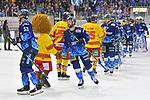 Brandon Mashinter (Nr.53 - ERC Ingolstadt) und Brett Findlay (Nr.19 - ERC Ingolstadt) beim Shake Hands nach dem Spiel beim Spiel in der DEL, ERC Ingolstadt (dunkel) - Duesseldorfer EG (hell).<br /> <br /> Foto © PIX-Sportfotos *** Foto ist honorarpflichtig! *** Auf Anfrage in hoeherer Qualitaet/Aufloesung. Belegexemplar erbeten. Veroeffentlichung ausschliesslich fuer journalistisch-publizistische Zwecke. For editorial use only.