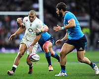 Jonathan Joseph of England chips ahead during the RBS 6 Nations match between England and Italy at Twickenham Stadium on Saturday 14th February 2015 (Photo by Rob Munro)