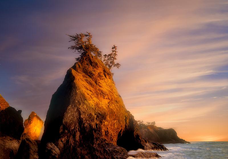 Rock formation and shoreline at Boardman State Park, Oregon.