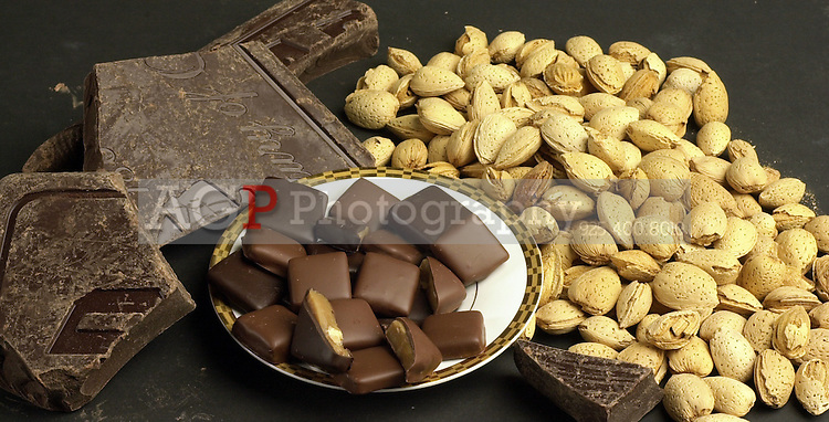 This is a marketing image for Shaymee's Aussie Toffee, a Pleasanton, California based candy company. (Photo by Alan Greth)