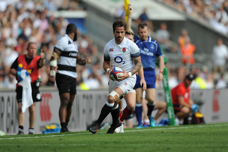 Danny Cipriani of England in action during the Quilter Cup match between England and Barbarians at Twickenham Stadium on Sunday 27th May 2018 (Photo by Rob Munro/Stewart Communications)