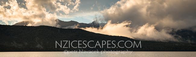 Sunset over lake Te Anau, Fiordland National Park, UNESCO World Heritage Area, Southland, New Zealand, NZ