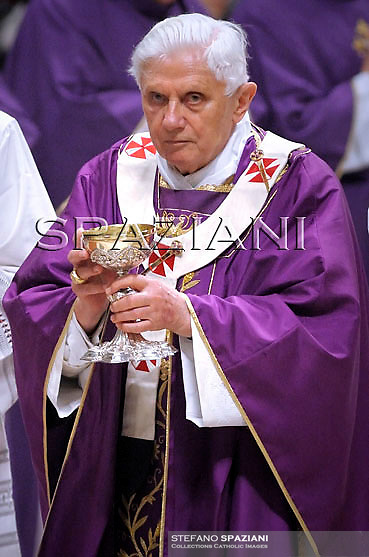 Pope Benedict XVI leads the mass in memory of John Paul II on the anniversary of his death in Saint Peter's Basilic at the Vatican, 29 March 2010. The Vatican marked the fifth anniversary of the death of John Paul II.