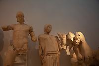 Tempio di Zeus - Museo archeologico di Olimpia (Grecia) Frontone orientale preparativi per la gara di corsa di Pelope e Enomao,  Pelope e la quadriga Patrimonio Unesco