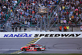 Monster Energy NASCAR Cup Series<br /> Hollywood Casino 400<br /> Kansas Speedway, Kansas City, KS USA<br /> Sunday 22 October 2017<br /> Martin Truex Jr, Furniture Row Racing, Bass Pro Shops / Tracker Boats Toyota Camry<br /> World Copyright: Matthew T. Thacker<br /> LAT Images