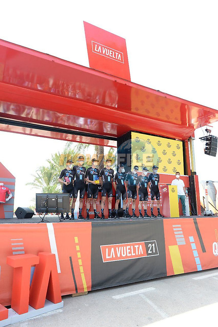 Team DSM best team from yesterday's stage at sign on before the start of Stage 8 of La Vuelta d'Espana 2021, running 173.7km from Santa Pola to La Manga del Mar Menor, Spain. 21st August 2021.     <br /> Picture: Cxcling   Cyclefile<br /> <br /> All photos usage must carry mandatory copyright credit (© Cyclefile   Cxcling)