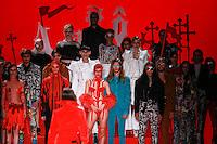SÃO PAULO,SP, 23.10.2015 - FASHION-WEEK - Modelo durante desfile da grife Amapô na São Paulo Fashion Week Inverno 2016, no prédio da Bienal do Parque Ibirapuera, zona sul de São Paulo, nesta sexta-feira (23). (Foto: William Volcov/Brazil Photo Press)