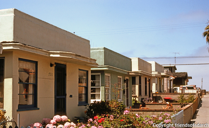 San Diego: 1930's Moderne Bungalows, Yarmouth Ct. in Mission Beach. Photo '82.