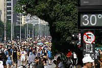 05.05.2019 - Movimentação na avenida Paulista em SP