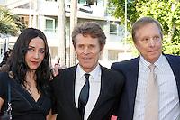 Willem Dafoe William Friedkin Giada Colagrende sur le tapis rouge pour la projection du film 'Bacalaureat' lors du 69ème Festival du Film à Cannes le jeudi 19 mai 2016.