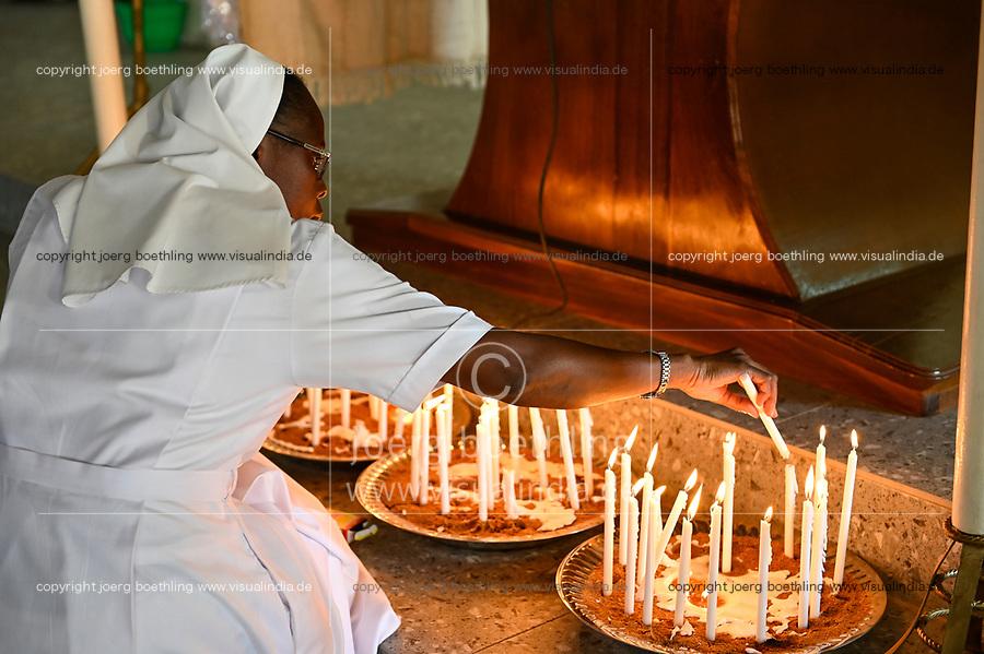 "MALI, Bamako, catholic church, holy mass, order sister with candles / katholische Kirche, Sonntagsmesse zum ""Tag des geweihten Lebens"" Kirche in Kalaban-Coro, Ordensschwestern mit Kerzen"