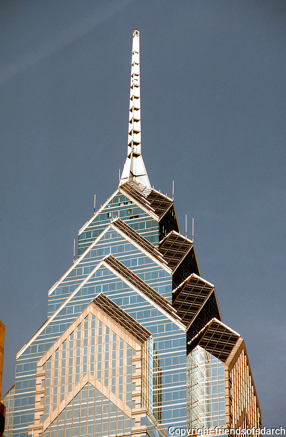 Helmut Jahn: One Liberty Place. (zoom)   Photo '91.