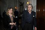 """ENRICO VANZINA CON LA MOGLIE FEDERICA BURGER<br /> PREMIERE """"BACIAMI ANCORA"""" DI GABRIELE MUCCINO  - RICEVIMENTO AL HOTEL MAJESTIC  ROMA 2010"""