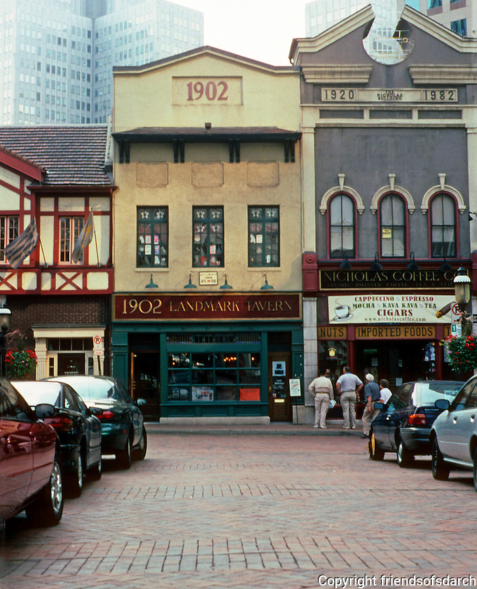 Pittsburgh: Market Square, Landmark Tavern and Nicholas Coffee. The Chippendale cornice, 1982 (Reference to Johnson's ATT Building)  Photo 2001.