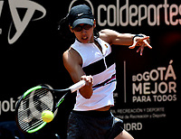 BOGOTÁ-COLOMBIA, 14-04-2019: Astra Sharma (AUS), devuelve la bola a Amanda Anisimova (USA), durante partido por la final del Claro Colsanitas WTA, que se realiza en el Carmel Club en la ciudad de Bogotá. / Astra Sharma (AUS), returns the ball against Amanda Anisimova (USA), during a match for the final of the WTA Claro Colsanitas, which takes place at Carmel Club in Bogota city. / Photo: VizzorImage / Luis Ramírez / Staff.