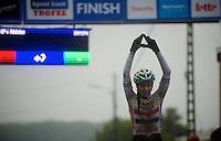 winner: Nikki Harris (GBR) honouring her deceased teammate Amy Dombroski (who's service was held only 2 days earlier)<br /> <br /> Bpost Bank Trofee - GP Mario De Clerq 2013