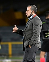 BOGOTA-COLOMBIA, 02-10-2020: Guillermo Sanguinetti,, tecnico de Atletico Bucaramanga gesticula durante partido entre Millonarios y Atletico Bucaramanga de la fecha 11 por la Liga BetPlay DIMAYOR I 2020 jugado en el estadio Nemesio Camacho El Campin de la ciudad de Bogota. / Guillermo Sanguinetti,, coach of Atletico Bucaramanga gestures during a match between Millonarios and Atletico Bucaramanga of the 11th date for the BetPlay DIMAYOR Leguaje I 2020 played at the Nemesio Camacho El Campin Stadium in Bogota city. / Photo: VizzorImage / Luis Ramirez / Staff.