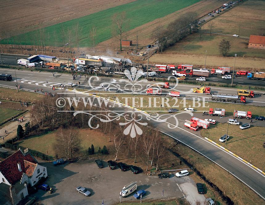 27 Februari 1996. Kettingbotsing op de E17 in Nazareth.