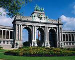 Belgium, Province Brabant, Brussels: Monumental arcade of the Palais du Cinquantenaire   Belgien, Provinz Brabant, Bruessel: Triumphbogen im Jubelpark
