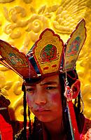 Asia, Buthan, Paro Dzong, Tshechu festival, young dancer