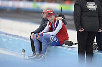 SCHAATSEN: AMSTERDAM: Olympisch Stadion, 11-03-2018, WK Allround, Coolste Baan van Nederland, 10.000m Men, Edel Therese Høiseth (coach NOR) troost Sverre Lunde Pedersen (NOR) na zijn race, ©foto Martin de Jong