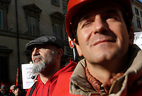 L'arrivo della manifestazione dei metalmeccanici Fiom Cgil nei pressi di Palazzo Chigi, Roma, 12 dicembre 2013.<br /> Italian Fiom Cgil metalworkers union demonstrators attend a protest near Palazzo Chigi, Rome, 12 December 2013.<br /> UPDATE IMAGES PRESS/Riccardo De Luca