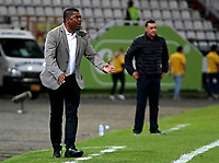 MANIZALES - COLOMBIA, 27-07-2018: Huberth Bodhert, técnico de Once Caldas, durante partido entre Once Caldas y Atlético Bucaramanga, de la fecha 2 por la Liga Aguila II 2018  en el estadio Palogrande en la ciudad de Manizales. / Huberth Bodhert, coach of Once Caldas, during a match between Once Caldas and Atletico Bucaramanga, of the 2nd date for the Liga de Aguila II 2018 at the Palogrande stadium in Manizales city. Photo: VizzorImage  / Santiago Osorio / Cont.