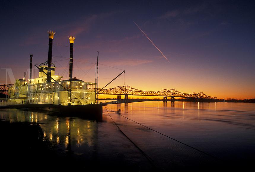 casino, sunset, Natchez, Mississippi River, riverboat, MS, Mississippi, Lady Luck Natchez Riverboat Casino on the Mississippi River at sunset in Natchez.