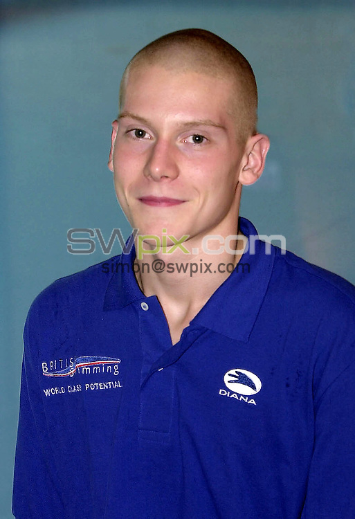 Pix: Matthew Lewis/SWpix.com. Swimming. National Youth Swimming Training Camp, Millfield School. Somerset. 23/10/2001...COPYWRIGHT PICTURE>>SIMON WILKINSON>>01943 436649>>..Carl Grovenor.