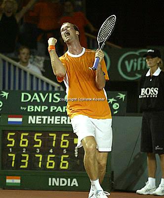 20030919, Zwolle, Davis Cup, NL-India, Verkerks matchpoint 5 sets
