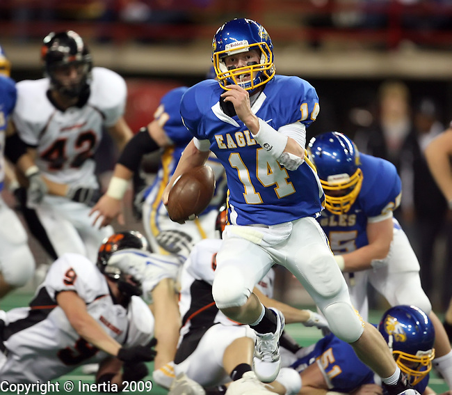 VERMILLION, SD - NOVEMBER 14: Jared Hannigan #14 of Aberdeen Central breaks into the secondary against Washington in the second quarter of the South Dakota Class 11AA High School Championship football game Saturday, Nov. 14, 2009 at the DakotaDome in Vermillion, South Dakota. (Photo by Dave Eggen/Inertia)(Photo by Dave Eggen/Inertia)